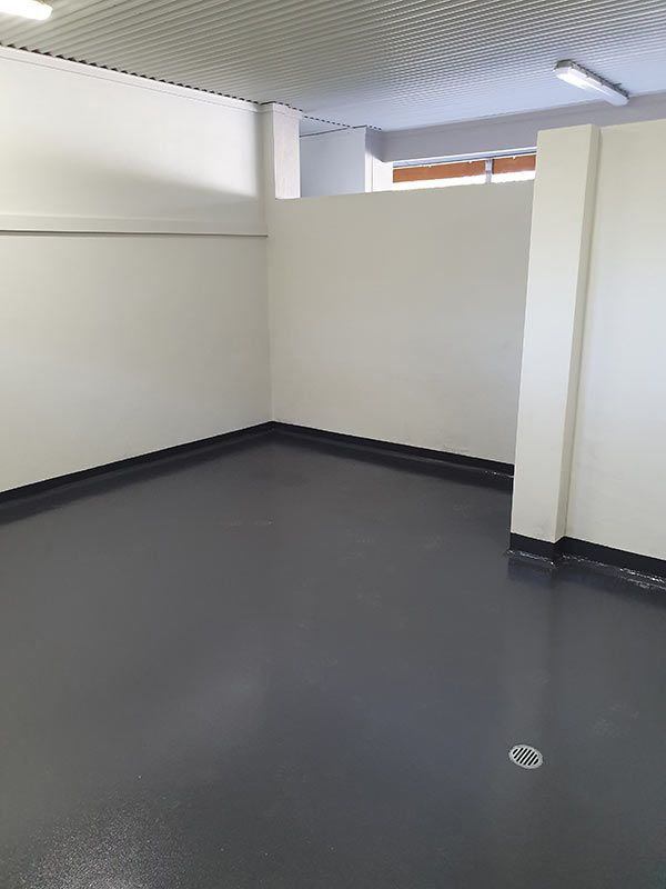 epoxy-change-room-floor8D70E1B1-0113-F0D9-5613-79E5C1F22907.jpg