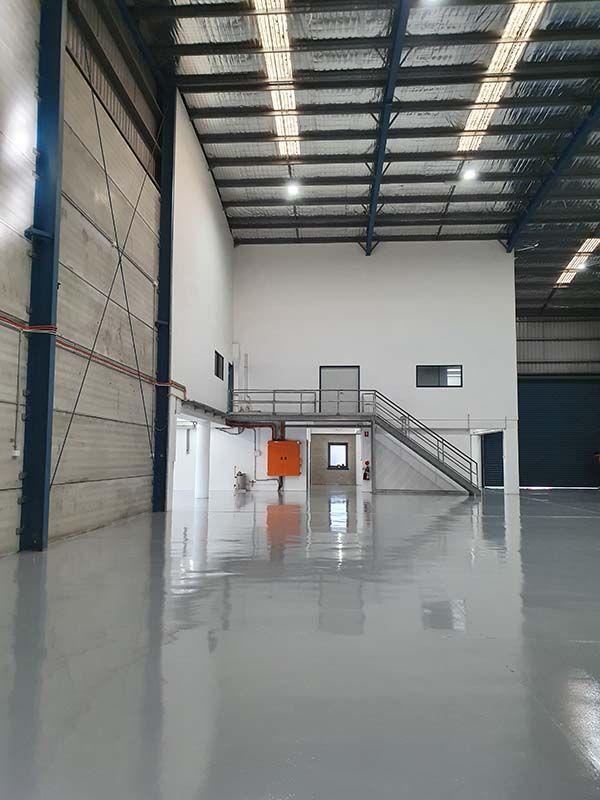 epoxy-flooring3D61F606-1703-8A94-3DFD-F976FAB5D885.jpg