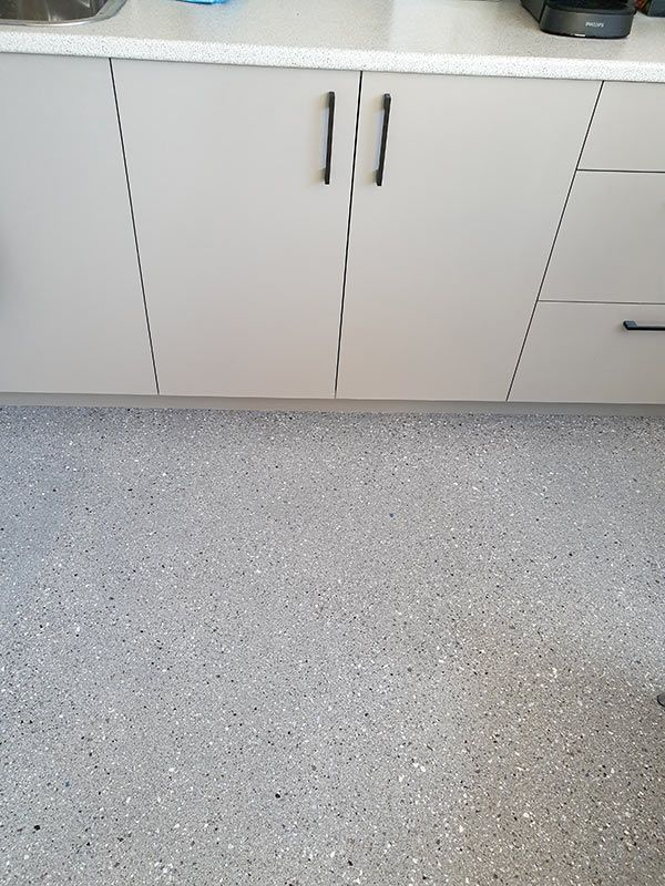 epoxy-hyper-flake-kitchen-floorD252D65D-CE46-5F63-A628-99A543083C30.jpg
