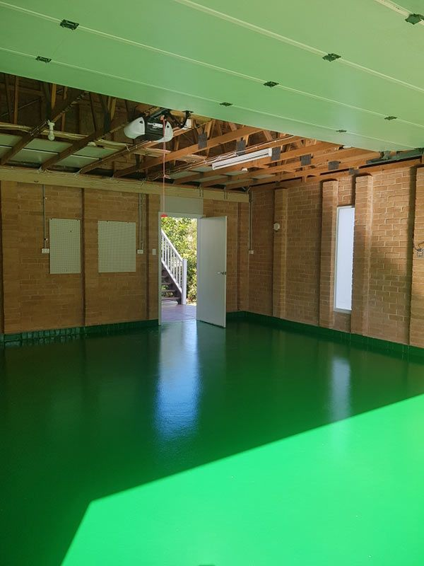 emerald-green-epoxy-floorCB613D2D-1705-ADCB-728F-EE10F2D71774.jpg