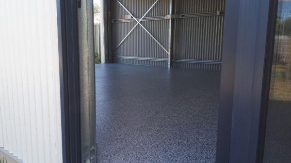 epoxy-flake-flooring-shed-floor72A67754-0B66-C967-AF45-E6131B080FE8.jpg