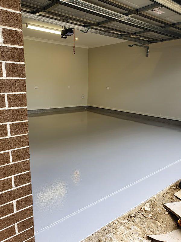 n35-light-grey-epoxy-garage-floorF40D2A13-BEE9-72E6-14D2-3322A1490290.jpg